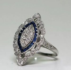 Jewelry - ⭐Gorgeous 😍BLUE SAPPHIRE BEAUTIFUL RING